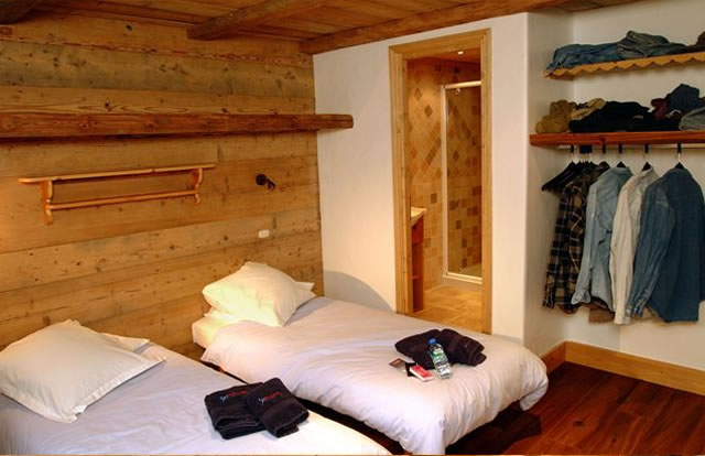 elise-bedroom