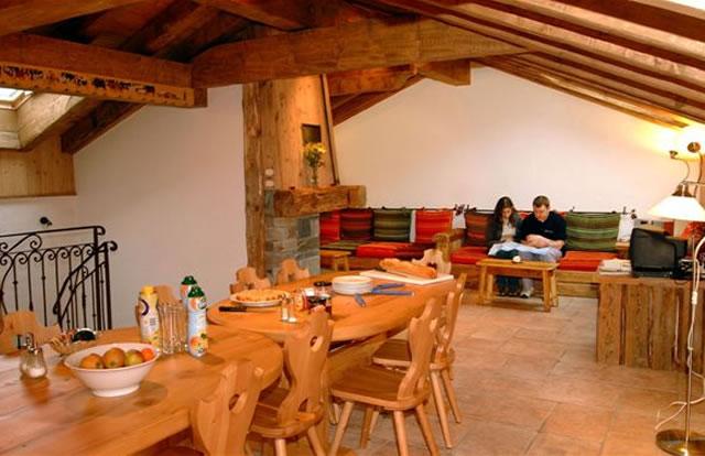 elise-dining-room