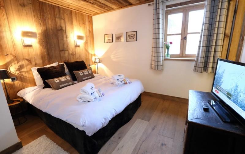 sapin-bleu-double-bedroom-2