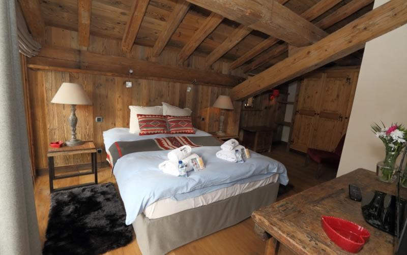 sapin-bleu-double-bedroom-3