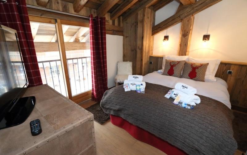 sapin-bleu-double-bedroom