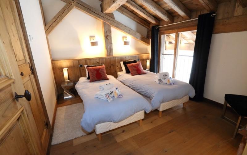 sapin-bleu-twin-bedroom