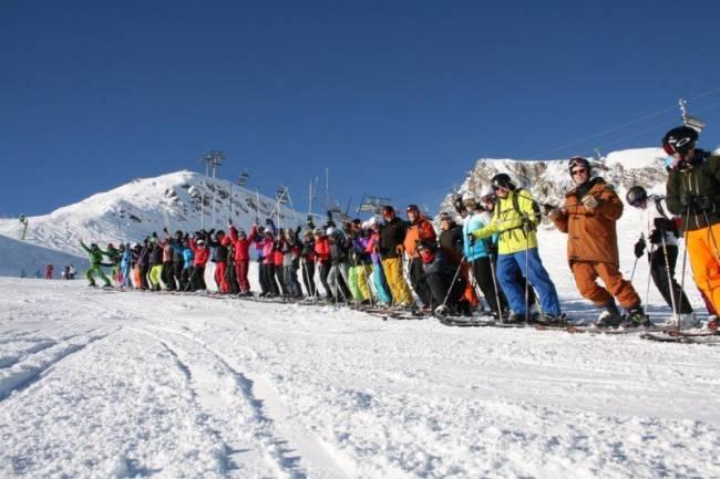 Solo and single skiers enjoying the ski trip to Kaprun