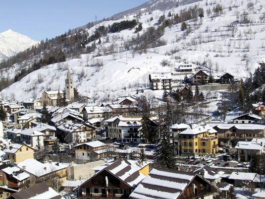 Guided ski holiday for solo and single skiers